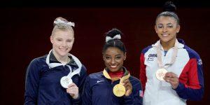 GIMNASIA: Simone Biles iguala a Scherbo como máxima medallista en la historia de los Mundiales