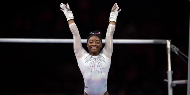 GIMNASIA MUNDIALES: Simone Biles reinventa la gimnasia y gana de paso su quinto título