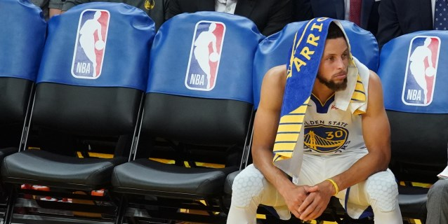 NBA: Sixers invictos; Curry sufre una fractura, Harden anota 59 puntos