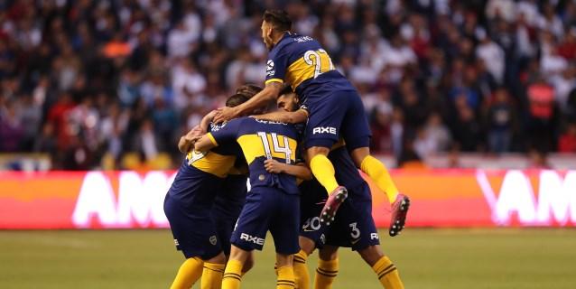 Boca Juniors, golpeado por la eliminación, se juega el liderato ante Lanús