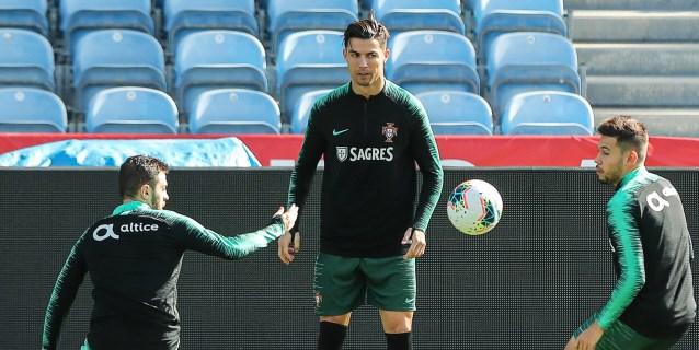 """Fernando Santos insiste sobre Ronaldo: """"Él está bien y va a jugar"""""""