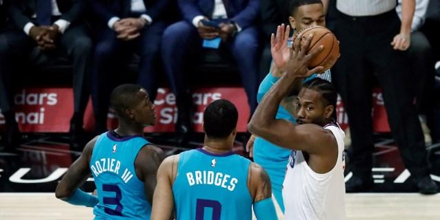 NBA: Leonard y Clippers acaban con invicto de Spurs; Pelicans, primer triunfo