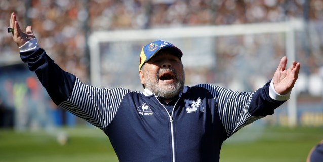 La continuidad de Maradona en Gimnasia está en duda por el cambio de presidente
