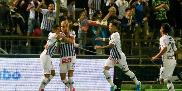 Universitario y Cristal pierden el paso, mientras Alianza sigue primero