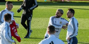 Messi, protagonista del segundo entrenamiento de Argentina en Mallorca
