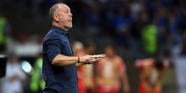 Palmeiras destituye al técnico Mano Menezes tras la derrota frente a Flamengo