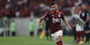Eligen gol de chilena de Arrascaeta como más bonito del Campeonato Brasileño