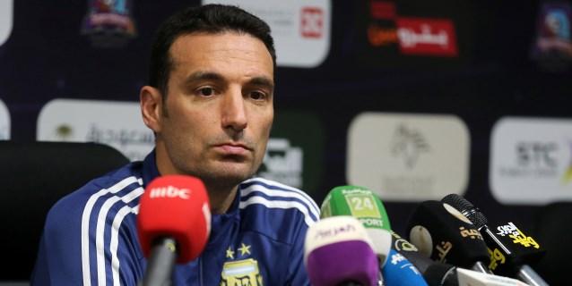 """Scaloni desea que Leandro Paredes """"tenga más continuidad"""" en el PSG"""