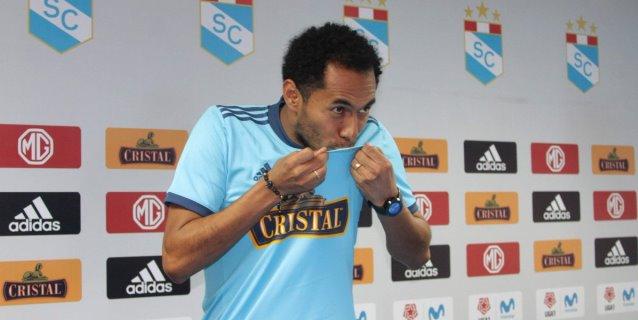 Carlos Lobatón se retira del fútbol y anuncia que ocupará cargo administrativo en Cristal