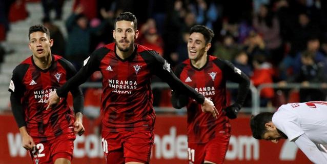 3-1. El Mirandés sigue sorprendiendo y elimina al Sevilla en Copa del Rey