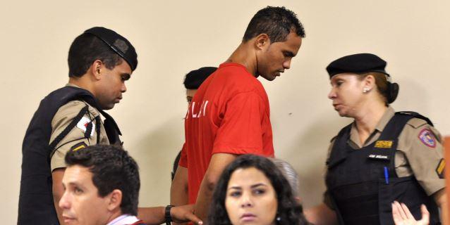 Hinchas y patrocinadores impiden el fichaje del portero condenado por asesinato