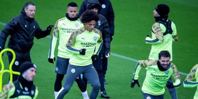 Sterling y Sané se entrenan antes de viajar a Madrid