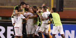 La U vence en la altura y Alianza cae en casa en el inicio del torneo de fútbol en Perú