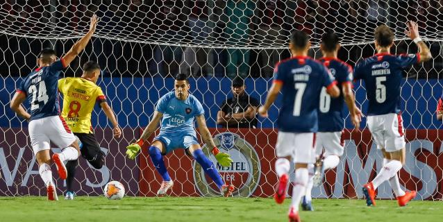 0-4. Barcelona elimina a Cerro Porteño con un Fidel Martínez deslumbrante