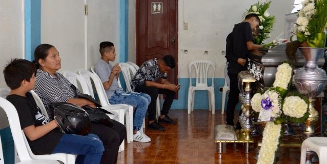 Llegan a Ecuador los féretros de los siete ecuatorianos accidentados en Perú