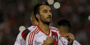 River Plate, con 10, consolida su liderato gracias a Borré y a un golazo de Scocco