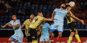 2-0. Un Guaraní impulsado por Bobadilla gana y es líder con Palmeiras