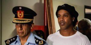 El COVID-19 opaca en los medios de Paraguay a Ronaldinho, su preso más famoso