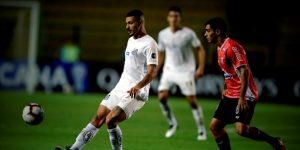 El Defensa y Justicia de Hernán Crespo recibe al Santos en un debut histórico
