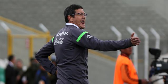 El exseleccionador boliviano Soria deja el The Strongest por malos resultados