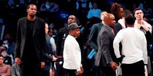 Cuatro jugadores de los Nets dan positivo por coronavirus, entre ellos Kevin Durant