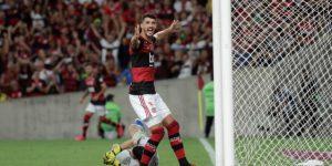 3-0. El campeón Flamengo hace respetar su casa y golea al Barcelona