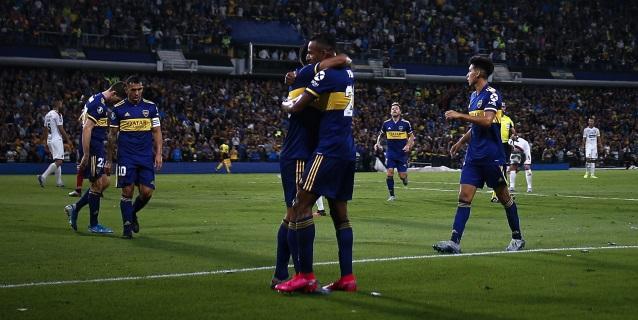 3-0. Boca Juniors golea, consigue su primera victoria y hunde al DIM