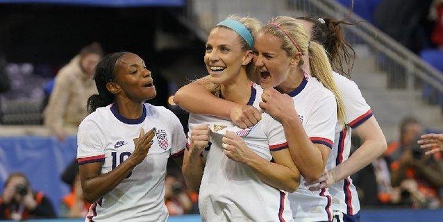 España pone el fútbol y EE.UU el gol; Inglaterra gana a Japón