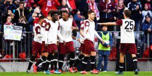 El Bayern derrota al Augsburgo y es más líder