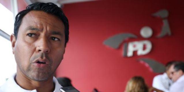 Nolberto Solano es intervenido por incumplir aislamiento social obligatorio