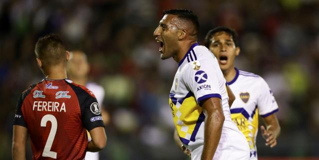 1-1. Robert Hernández acabó la fiesta de Boca que comenzó 'Wanchope' Ábila