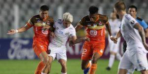 1-0. Santos gana y afianza su liderato en el silencio de Vila Belmiro