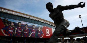 El Barcelona anuncia una reducción de sueldos que consensuará con los trabajadores