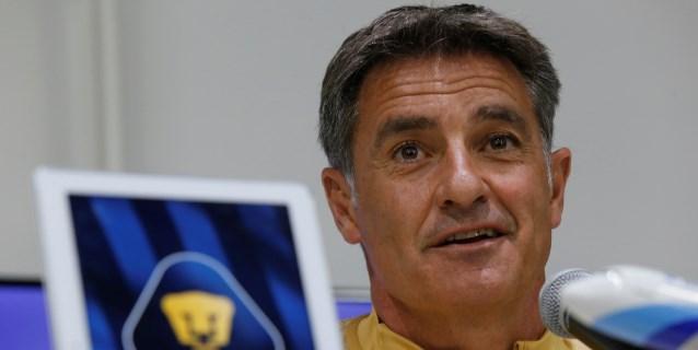 Míchel pone a los jugadores de los Pumas UNAM a analizar partidos