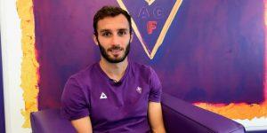 Fiorentina anuncia que Pezzella, Cutrone y Vlahovic se han curado del virus