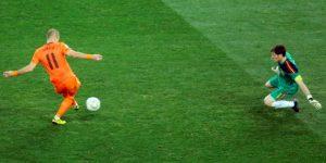 """Casillas: """"Mi mejor parada se la hice a Robben en la final del Mundial"""""""