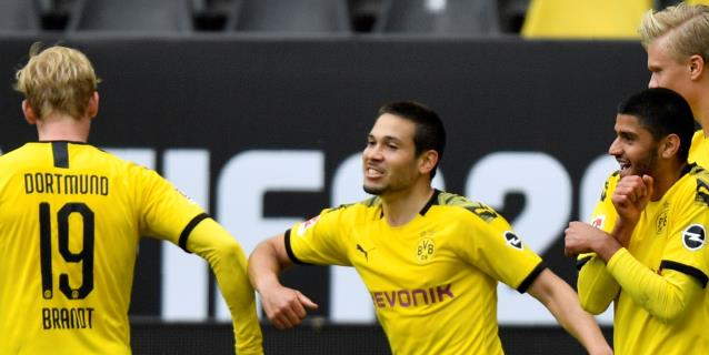 El Dortmund vuelve con una goleada ante el Schalke (4-0) en el derbi del Ruhr