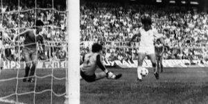 Cuando Bertoni se convirtió en villano: 40 años de la derrota de la Real