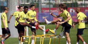 El Barcelona luce sus nuevas mascarillas en la vuelta a los entrenamientos
