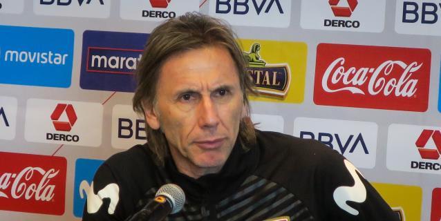 Gareca contempla jugar las eliminatorias solo con futbolistas de la liga peruana