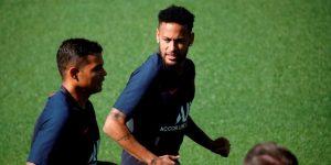Neymar y Thiago Silva celebran título de liga francesa confinados en Brasil