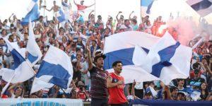 El fútbol en Chile es un acto social que no entiende de puertas cerradas
