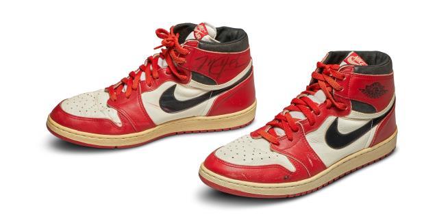 Unas Nike Air de Michael Jordan, vendidas por 560.000 dólares, rompen récords