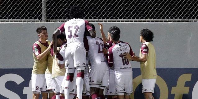0-2. El Saprissa da un duro golpe y acaricia el título del fútbol en Costa Rica