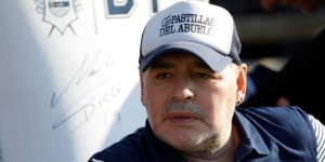 Maradona seguirá como entrenador de Gimnasia hasta 2021, según su agente