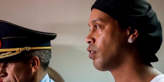 Ronaldinho, cerca de tres meses de encierro en Paraguay y sin noticias de Dalia
