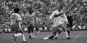 """Fútbol peruano llora la muerte de Enrique """"Loco"""" Cassaretto"""