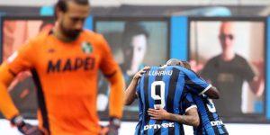 El Inter empata 3-3 un partido loco con el Sassuolo y se aleja del liderato