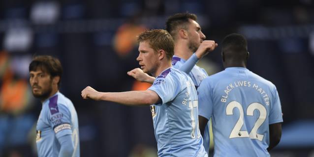 3-0. Los errores de David Luiz allanan el triunfo del Manchester City