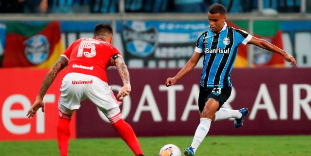 Corinthians y Gremio ganan en la vuelta del fútbol en Sao Paulo y sur de Brasil